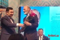 """BDU-nun Türkologiya kafedrasının müdiri """"Vilhelm Tomsen"""" medalı ilə təltif olunub"""